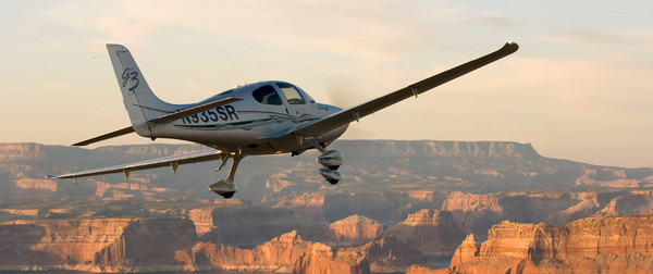 Cirrus SR22 at Sunset